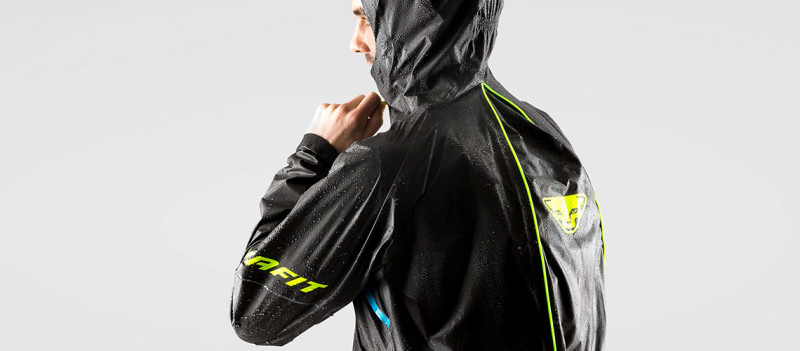 Men Ultra Trail Gore Tex Shakedry Rain Jacket Detail